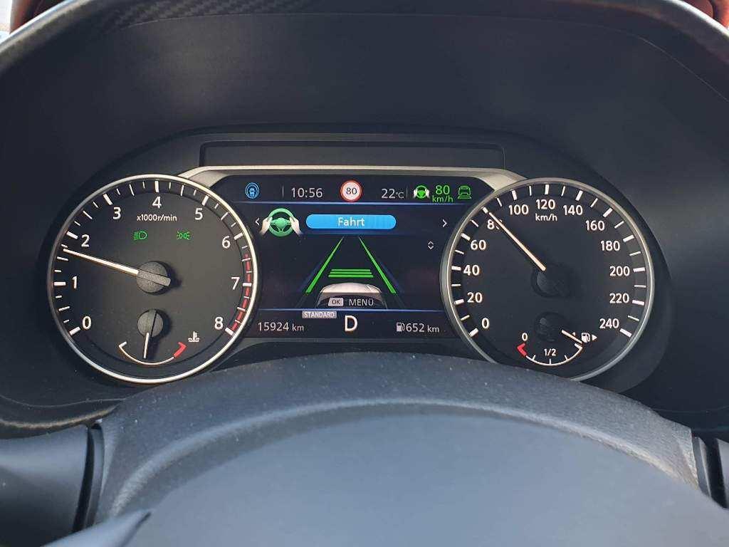 Nissan Juke Tacho, adaptiver Geschwindigkeitsregler