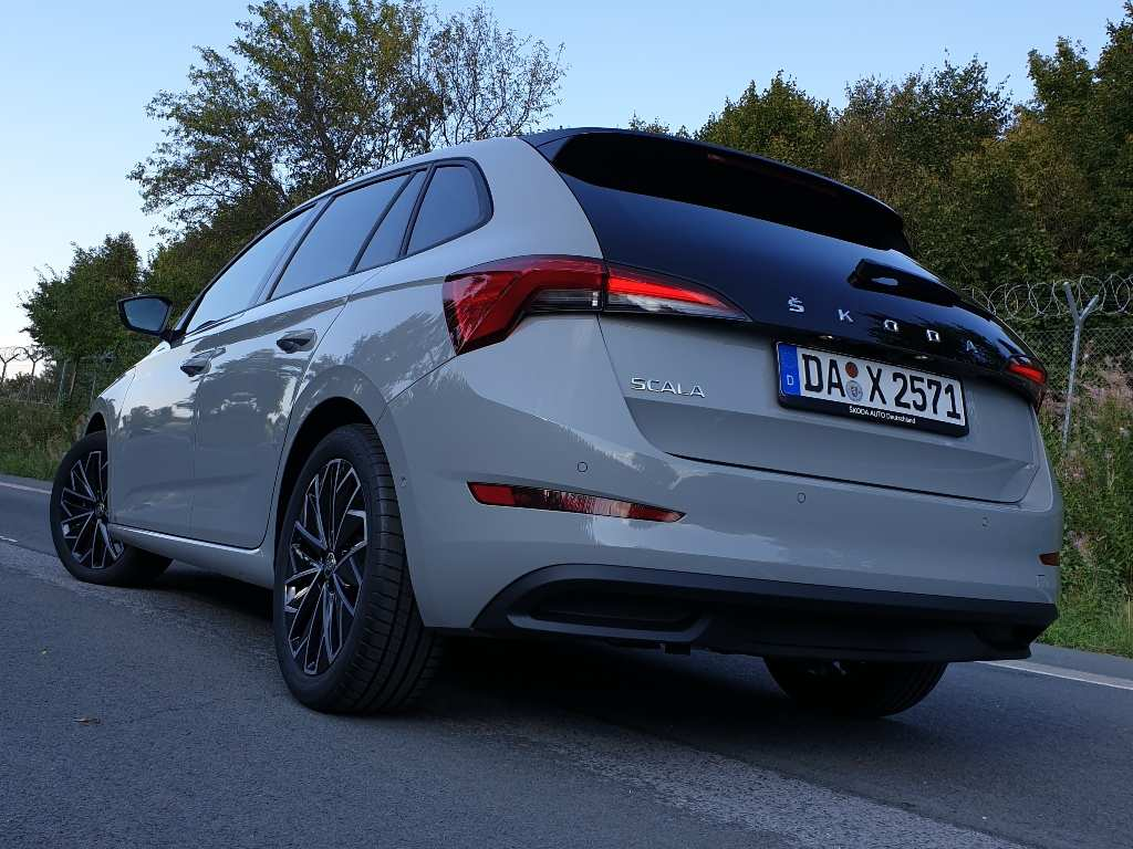 Škoda Scala Style, Stahl Grau, hinten, 2020